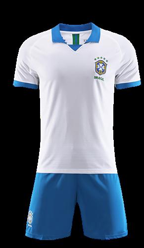 תלבושת הדמייה נבחרת ברזיל לבנה