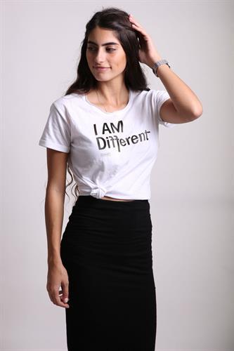 I AM Different - Tshirt
