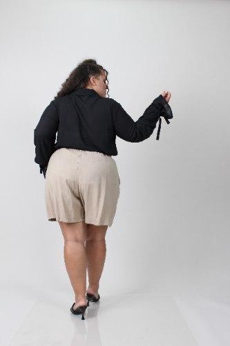 חולצת אוליביה שחורה