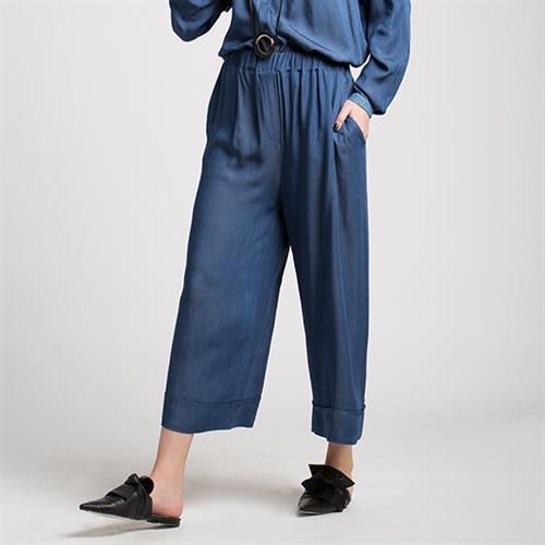 מכנסי מדו ג'ינס