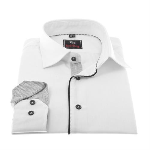 חולצה לבנה בשילוב שחור