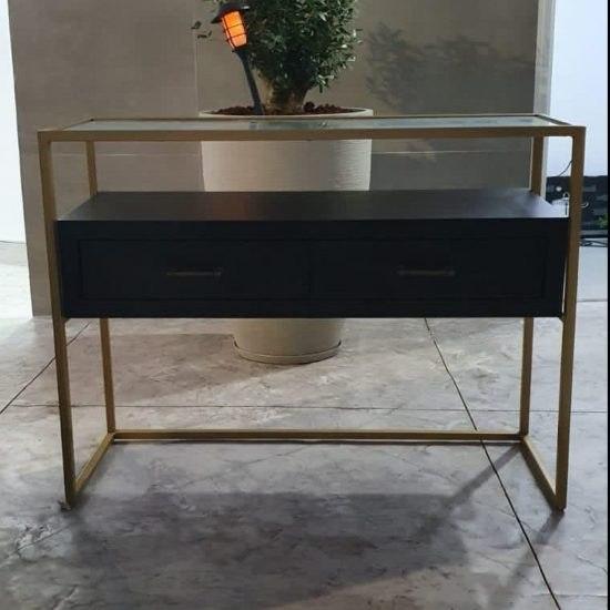 קונסולה עץ בצבע שחור 2 מגירות בשילוב זכוכית ומסגרת ממתכת בצבע זהב (מידות 120*80*40)