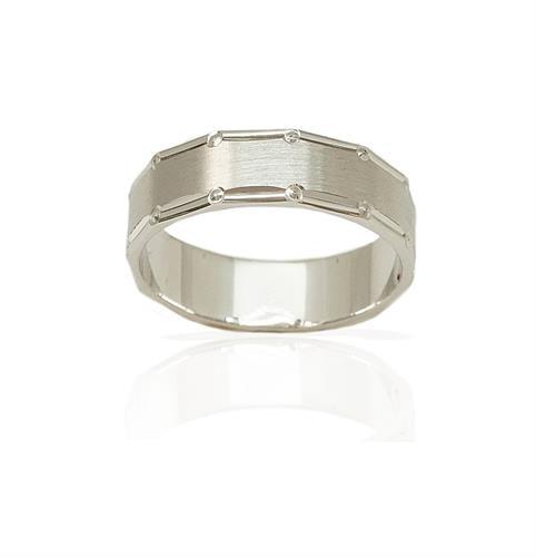 טבעת נישואין מעוצבת עם טקסטורת הברשה והברגה - דגם M139