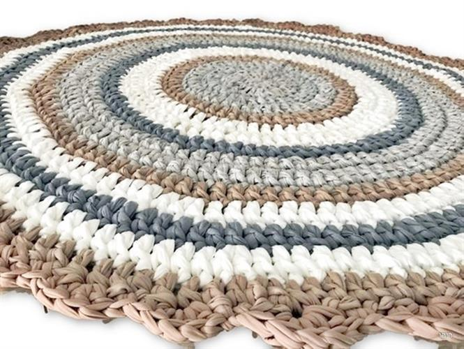 שטיח סרוג, שטיח עגול, שטיחים, שטיח בעיצוב נורדי, עיצוב נורדי, שטיח עבודת יד, ריבי עיצובים