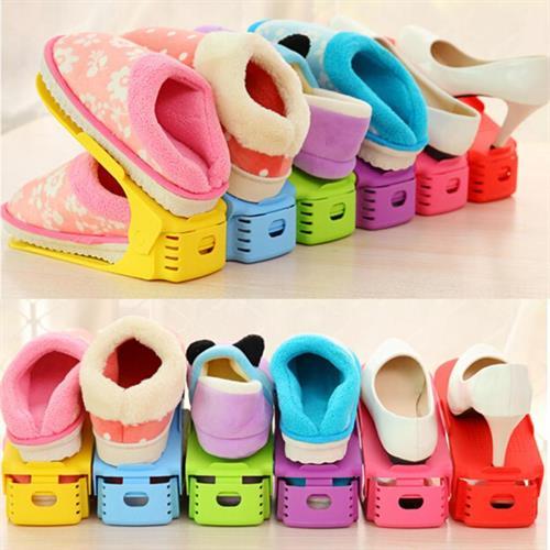 מתקן DOUBLE&DOUBLE מהפכני לאחסון נעליים בשלל צבעים