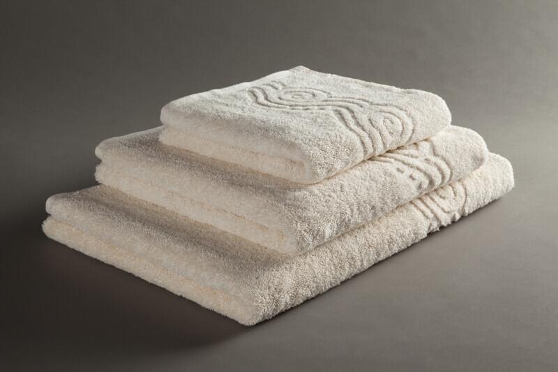 מגבת גוף של ערד לבן או בז  100% כותנה