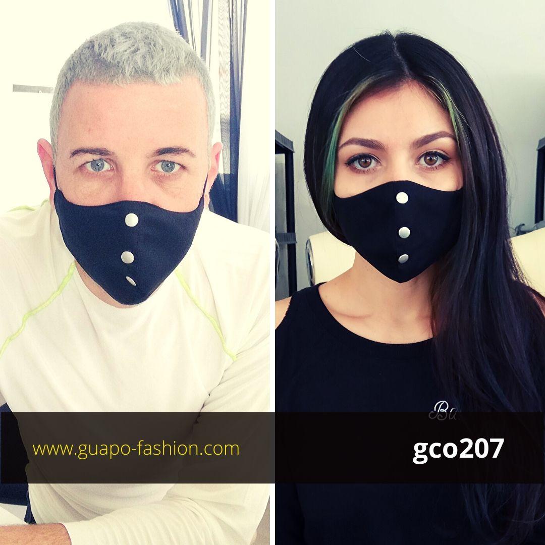 מסכת בד שחורה עם ניטים face mask