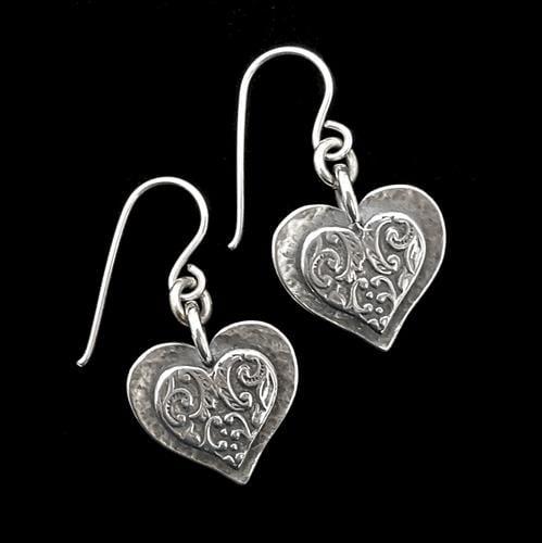 עגילי כסף מעוצבים בצורת לב A5621 | תכשיטי כסף | עגילי כסף