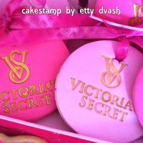 ויקטוריה סיקרטס - VICTORIA'S SECRET