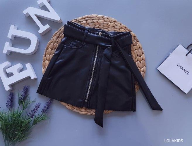 חצאית דמוי עור דגם 2112