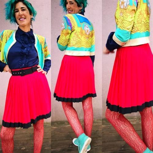חצאית פליסה אדומה מידה M