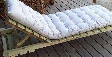 מיטת שיזוף עץ מלא