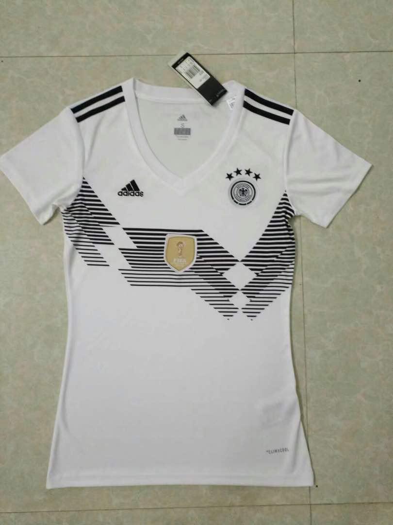 חולצת נשים גרמניה