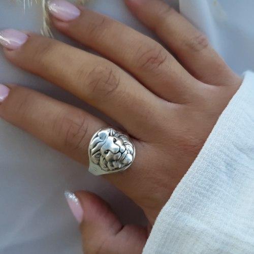 טבעת אריה