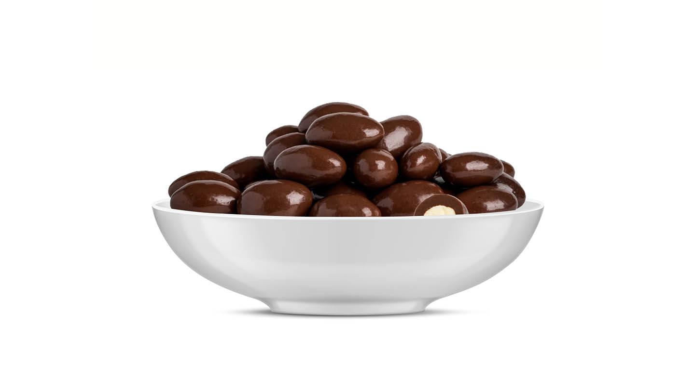 שקדים בציפוי שוקולד מריר 100 גרם