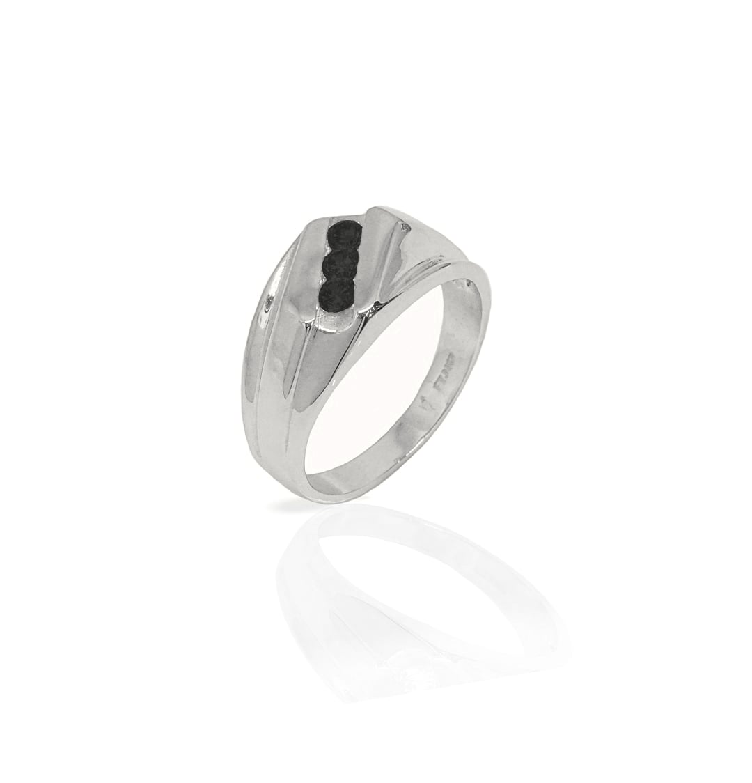 טבעת לגבר זהב   טבעת לגבר זהב לבן עם יהלומים שחורים