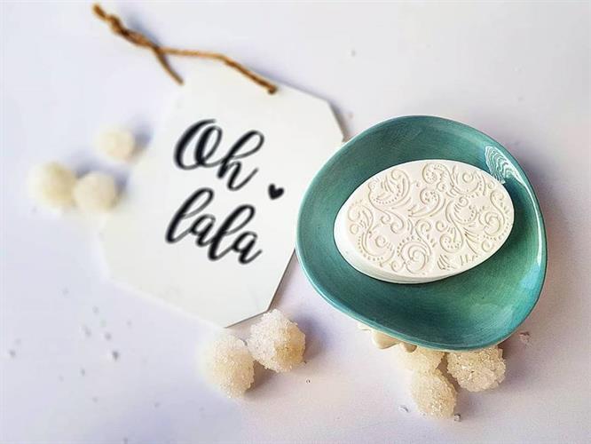 סבון אובלי עם כיתוב
