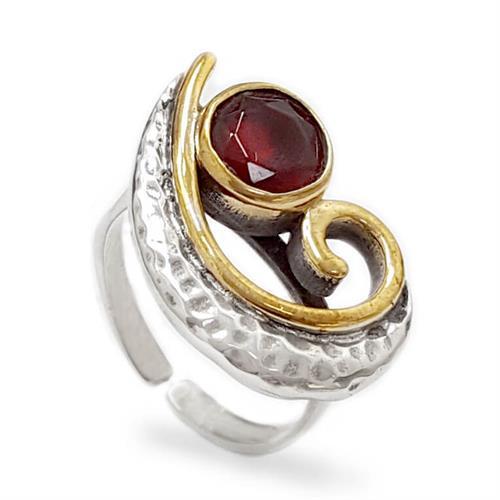 טבעת מכסף משובצת אבני זרקון צבע אדום ושילוב ציפוי נחושת RG1684