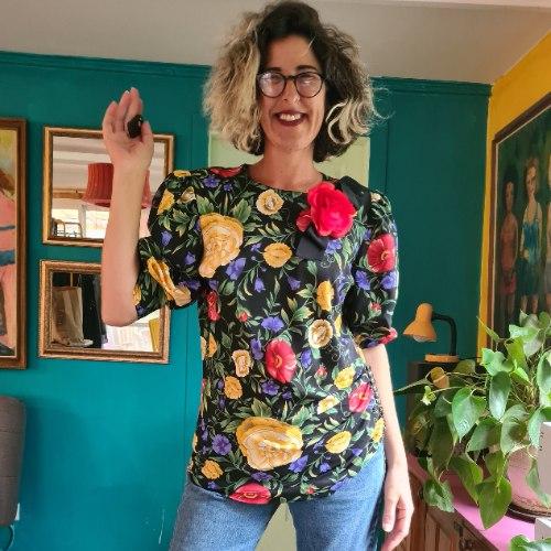 חולצת פרחים בעיצוב פיגוזי L/XL