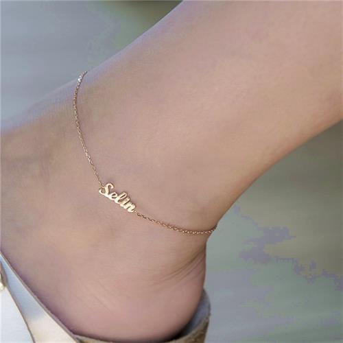 צמיד רגל מהמם עם שם בציפויי זהב