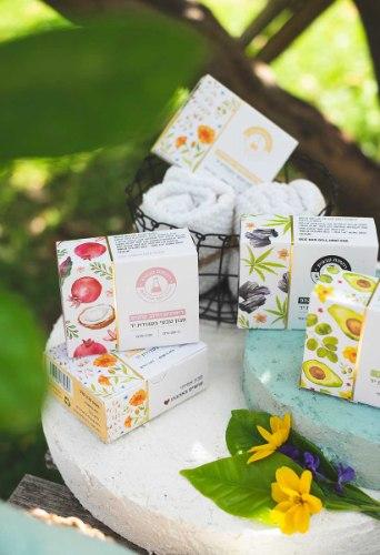 מארז מתנה - רביעיית סבונים טבעיים (True Soap) עבודת יד