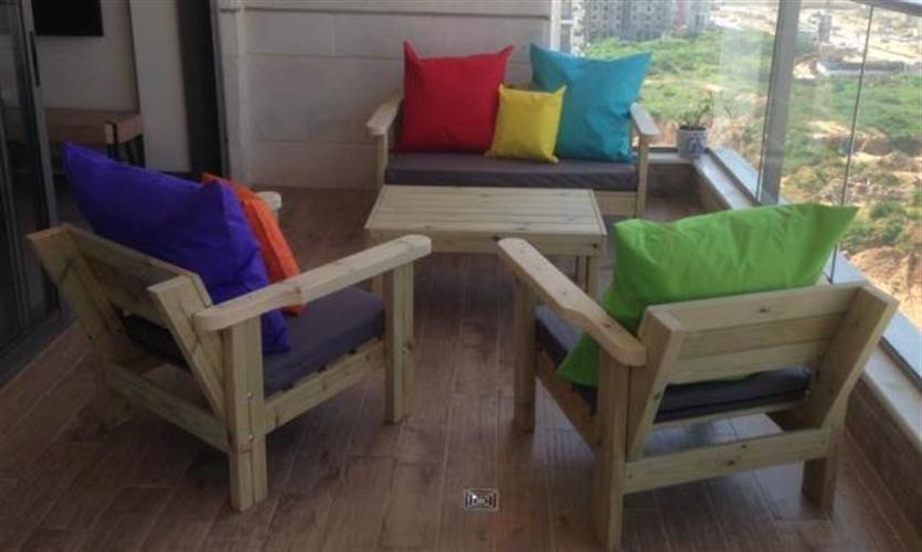 פינת ישיבה גבוהה  למרפסת ולגינה