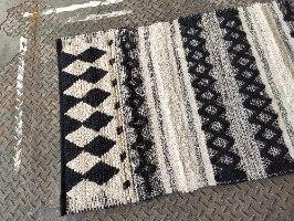 שטיח כותנה דק - שחור לבן