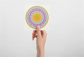 """מגנט אומנותי - מנדלת """"מסע"""" - מנדלה מקורית בעבודת יד מודפסת על מגנט"""