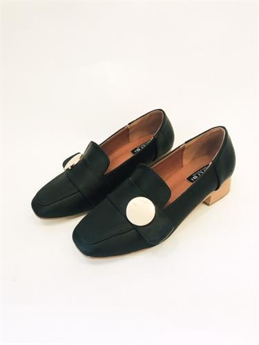 נעלי מוקסין אבזם עגול שחור