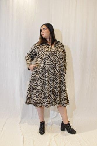 שמלת ניו יורק זברה בז׳