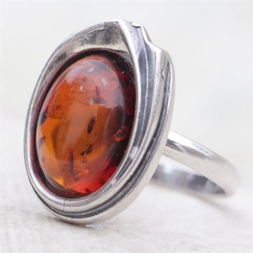 טבעת כסף משובצת אבן ענבר RG6706