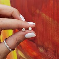 עגילי יהלומים צמודים לאוזן 0.50 קראט בזהב 14 קרט