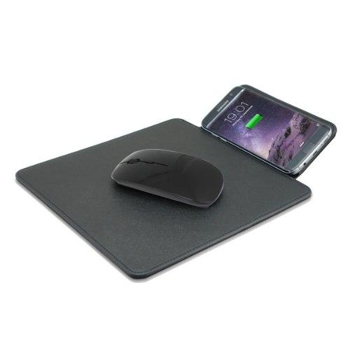 משטח לעכבר עם טעינה אלחוטית לסמארטפון