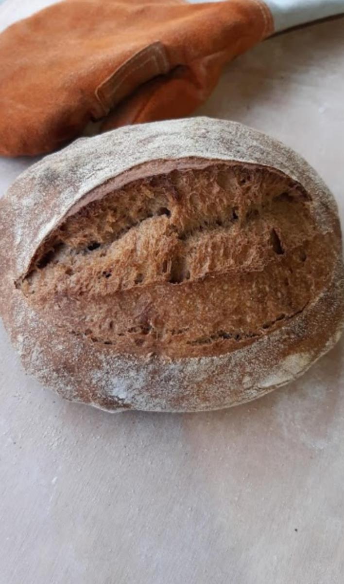 לחם מחמצת 100% כוסמין מלא - מאפיית לחם בארי