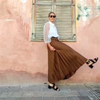 חצאית פליסה קארמל