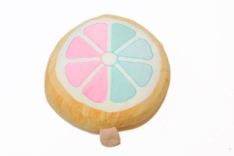 בובת כרית צבעונית לימון