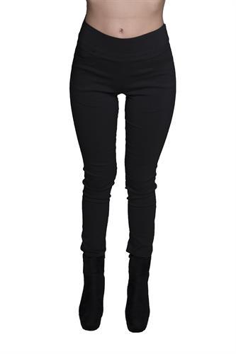 מכנס צמוד ללא רוכסן וללא כפתור בצבע שחור