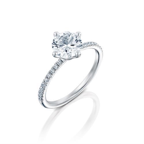 טבעת אירוסין זהב לבן 14 קראט משובצת יהלומים STIRD MARTINI