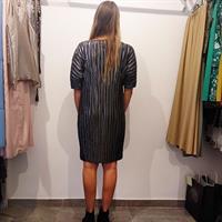 שמלת ליס פליסה שחור וכסף