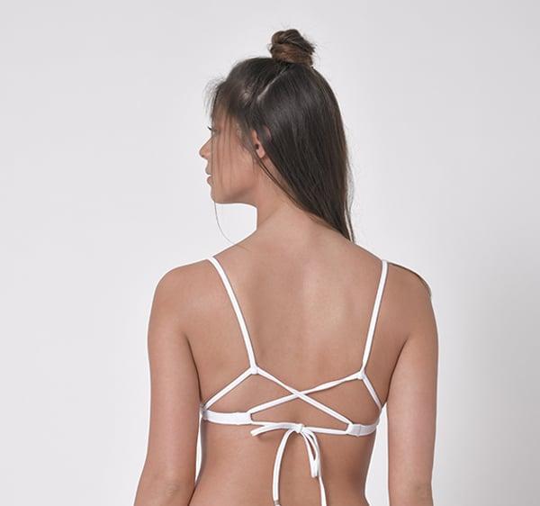 בגד ים לבן ביקיני ברזילאי - טופ איקס/ תחתון בגד ים לונה