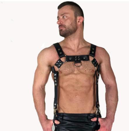 רתמה כולל רצועות בצדדים שמתאים ללבוש עם מכנסיים