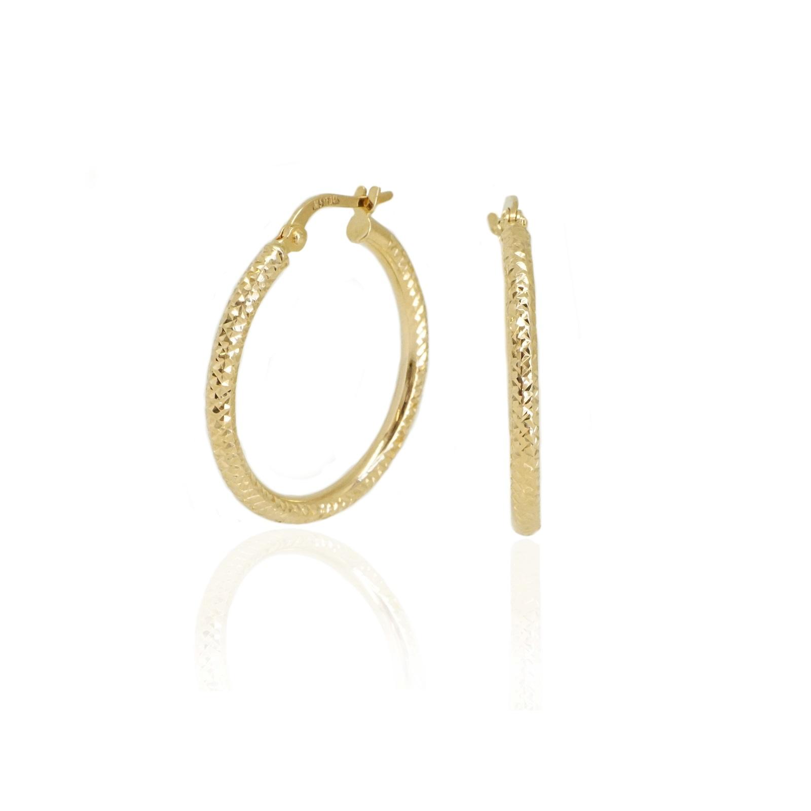 עגילי חישוק זהב מעוצבים עם חריטת לייזר 2.5 סמ