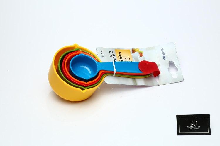 כוסות מדידה צבעוניות