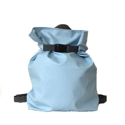 תיק גב משולש בצבע תכלת