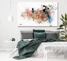 תמונה צבעונית אבסטרקטית בחדר שינה