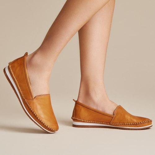 נעל עור שטוחה אנטליה