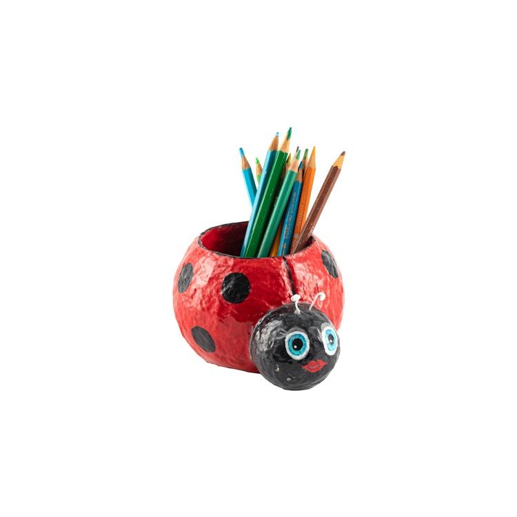 כוס לעפרונות חיפושית