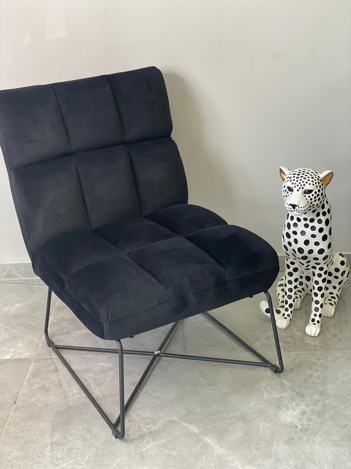 כורסא קטיפה שחורה