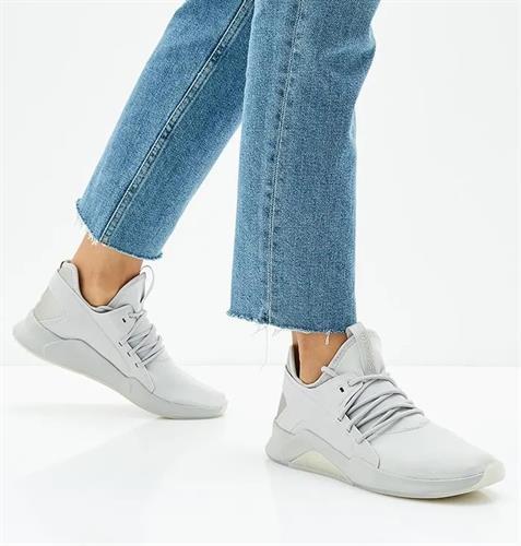 נעלי נשים ריבוק צבע אפור בהיר דגם CN5055