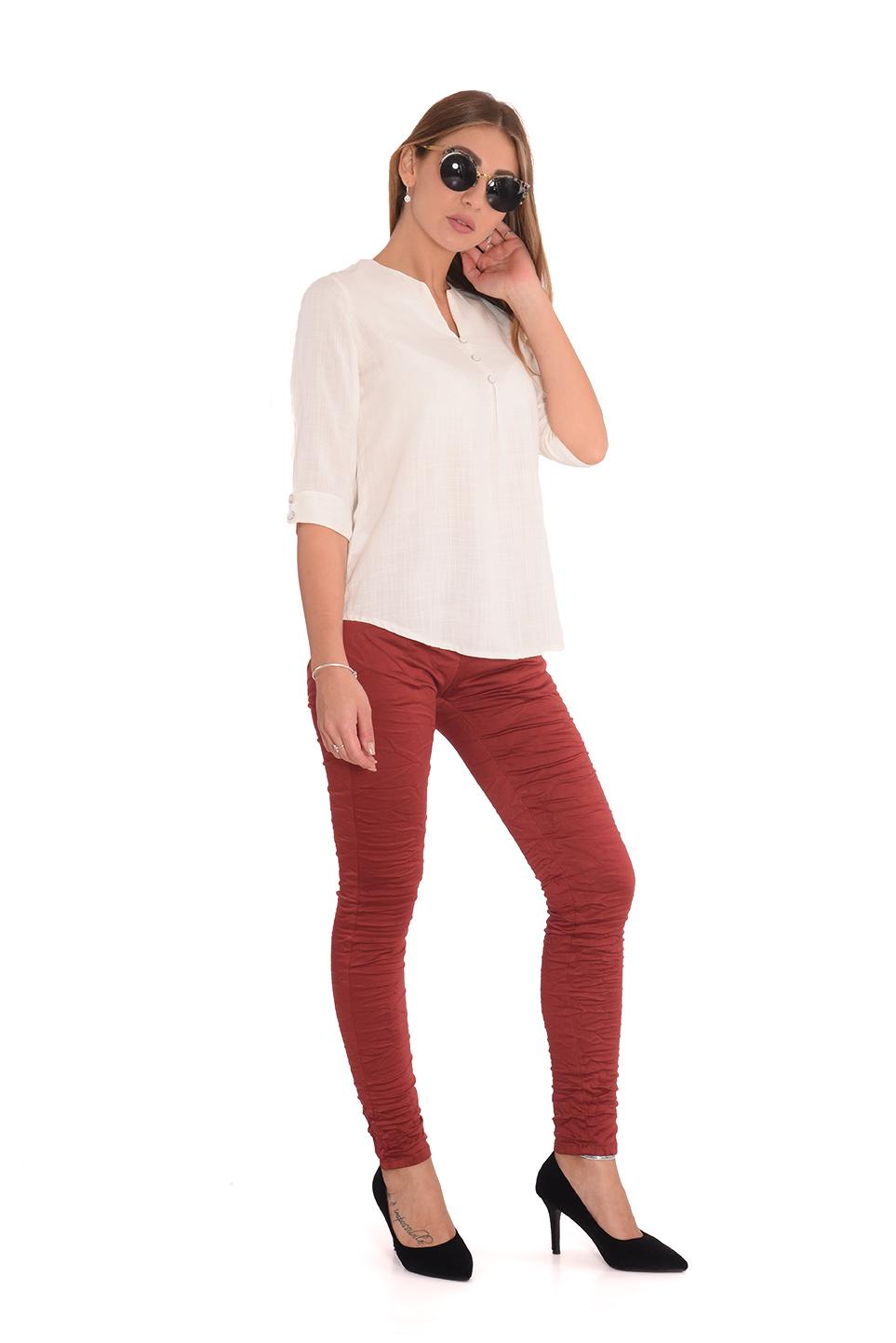מכנס כותנה עם כפתורים בצבע בריק